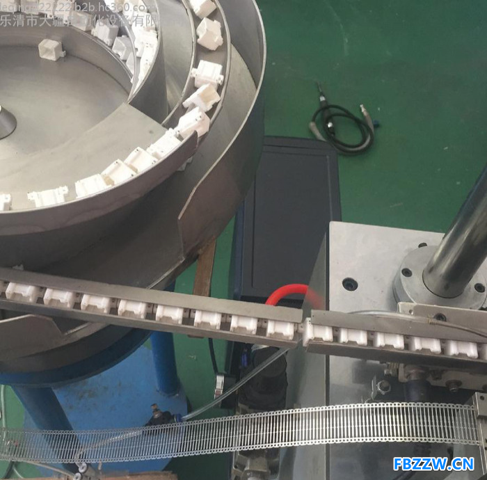厂家直营全自动攻丝机,自动钻孔机,非标自动化设备定制多轴多头攻丝机效率高品质好。