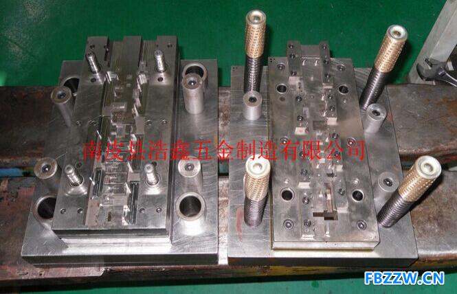 浩鑫五金可提供各种冲压件模具 模具设计及制作