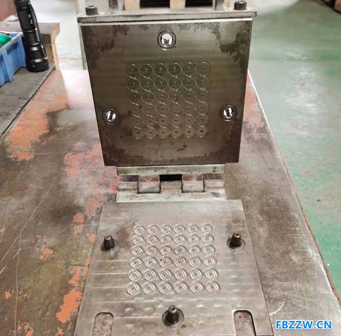 正方模具 模具制造 模具加工 定制橡胶模具 支持定制模具
