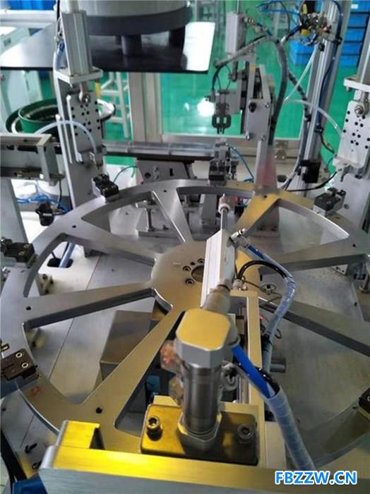 自动组装 深隆ST-JC1152继电器电磁组件组装机 电子行业自动化组装设备设计改造方案 全自动组装机非标定制 北京组装
